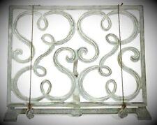 Deko-Buchstützen im Landhaus-Stil aus Metall