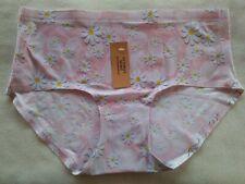 DressNStyle NWT VICTORIA'S SECRET Seamless Light Pink Floral Panty Underwear L