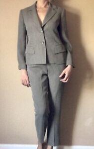 Emanuel Ungaro Brown Career High Rise Pant Suit 100% Wool Petite 2/4 Pockets