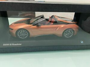 BMW i8 Roadster Dealer limited  in 1:18