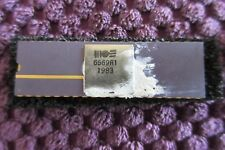 Commodore 64 - Gold pin Ceramic Vic Chip - 6569 R1 - TESTED - PAL