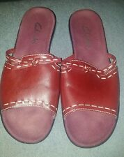 Clarks Size 7M Slip On Sandals Red Burgandy Excellent Previously Owned Condition