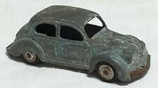 Petite voiture jouet ancien