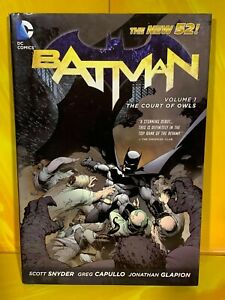 DC Comics - Batman Volume 1 Court of Owls (Hard Back Graphic Novel)