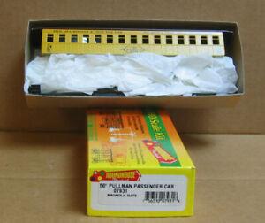 "ROUNDHOUSE/MDC 07931 HO 50' Pullman Passenger Car ""Magnolia Suite"" Circus"