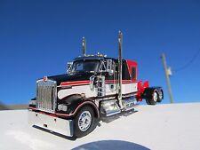 Dcp 1/64 Scale W900 Kenworth Flat Top Red/ Black/ White Long Wheel Base
