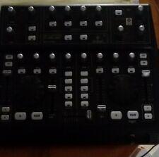 Behringer BCD3000 - Controladora de DJ USB de 4 canales