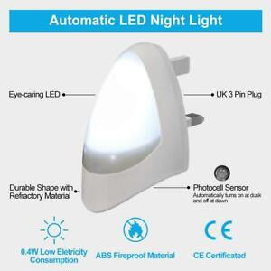 Automatic LED Night Light Dusk to Dawn Wall Plug In White Sensor Light UK