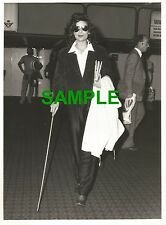 PHOTO BIANCA JAGGER HOBBLED OUT OF BRITAIN - ROLLING STONES MICK JAGGER 1979