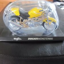 Ducati Monster 900 Maisto Motorbike Motorcycle Model Diecast 1:18 Scale w Stand