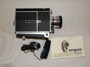 Vintage ARGUS SHOWMASTER 822 (1967) MOVIE CAMERA MADE IN JAPAN with box and book
