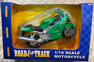 Road and Track Maisto 1:18 Scale Kawasaki ZX-12 Green Motorcycle NIB