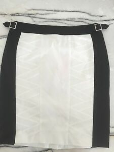 Karen Millen Size US8 Black And White Skirt Brand New With Tags