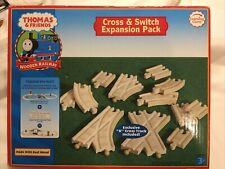 CROSS TRACK Thomas /& Friends WOODEN RAILWAY Crossing with Signs BRAND NEW Loose