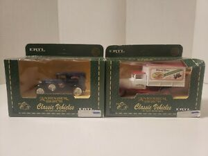 Ertl Anheuser Busch Classic vehicle Lot Of 2 1/43 Scale