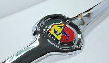 Classica FIAT 500 595 695 ABARTH FRONT BADGE EMBLEMA NUOVO di zecca in metallo