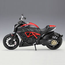Maisto Motorcycles 1:12 Scale DUCATI Diavel Carbon Diecast Model Collection Toys