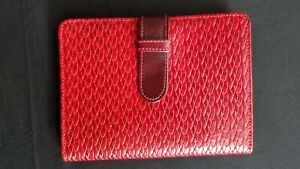 RAIKA DESIGNER LEATHER PHOTO WALLET 4 x 6 TWO TONE RED PATTERN NEW IN BOX