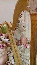 Porcellana di Capodimonte. Grande Dama con Arpa.