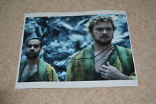 FINN JONES signed Autogramm 20x25 cm In Person IRON FIST DEFENDERS