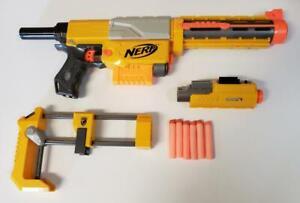 Nerf N-Strike Recon CS-6 Dart Blaster Gun 18 Darts Minus 1 Clip & Sight Works a