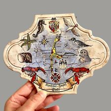 Vintage Kachel Untersetzer SYLT KARTE 20cm lang Tracht Wappen Seepferchen ALT