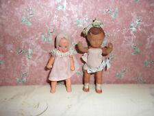2 x Alte Puppe-Ari-Kaufladen-Puppenhaus-Puppenstube-Kinderzimmer-doll-poupee