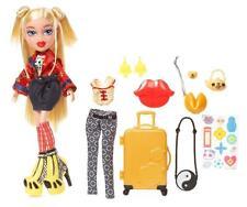 Bratz Study Abroad China Cloe Doll w/Accessories Clothes Jewelry Luggage New