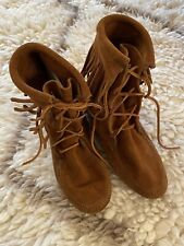 Women's Minnetonka Tramper Fringe Ankle Boots 7 M Brown Suede Lace Up Shoes