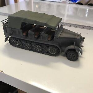 21st Century Toys Ultimate Soldier WW2SdKfz7 German Troop Carrier missing piece