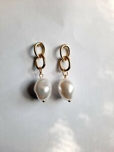 Faux pearl drop earrings gold white acrylic costume jewellery kitsch elegance