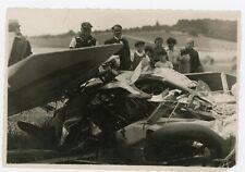 PHOTO - CRASH d'un avion ou d'une voiture ancienne à la campagne