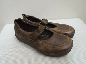 BORN 9 40.5 Brown Distressed Leather Stitched Wedge Slip On Strappy Mary Janes