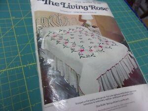 """Bucilla Applique Quilt #3285 Vintage kit  """"The Living Rose"""""""