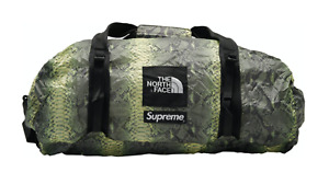 Supreme x The North Face Flyweight Weekend Bag Green Snake Print