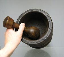 Ancien mortier en bois. 19e-20e. Art populaire.
