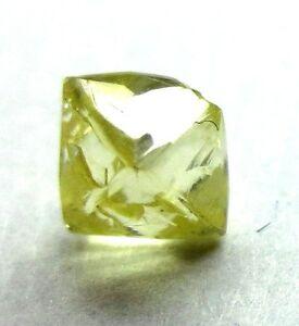 0.75 Karat Kostüm Kanariengelb Schneidbar Dodecahedron UK Natürlich Grobem Karo