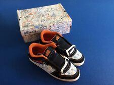 The Art Dump men's athletic shoes, black/white/blue & orange inside, Size 13,New