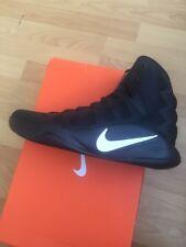 Entièrement neuf dans sa boîte Nike Hyperdunk 2016 Basketball Chaussures Royaume-Uni Taille 9 Neuf Couleur Noir