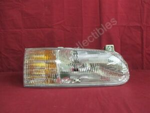 NOS OEM Ford Windstar Headlamp Light 1995 - 97 Right Hand WITH Bulbs