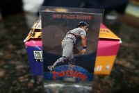 1998 Stadium Club Playing With Passion Mike Piazza #P9 Los Angeles Dodgers