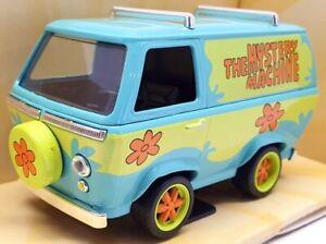 "Jada 1/32 Scale Model Car 32040 - Mystery Machine ""Scooby Doo"""