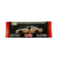 New 1995 Quartzo 1:43 NASCAR Alan Kwlwicki Hooters Ford Thunderbird #7