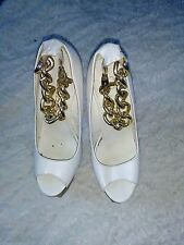 Size 4 womens privileged shoes