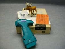 10663 Dennsion Mark Iii Battery Operated Tag Gun w Extra Battery / No Charger