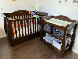 Boori Sleigh Royale Cot Bed and Change table Used but near new condition
