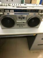 Beautiful VICTOR RC-M70 Stereo Boombox Radio Cassette Player Retro Used 646/MN