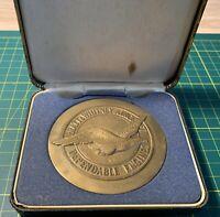 1977 Bronze Pan American Dependable Engines Pratt & Whitney Aircraft Medal Case