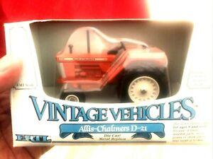 Ertl Vintage Vehicles Allis-Chalmers D-21 Tractor Diecast 1:43