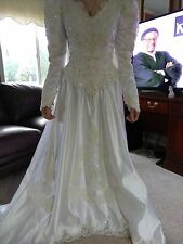 FOREVER YOURS Int'l BRIDAL Gown Size 10 LONG TRAIN SEQUINS White WEDDING Dress